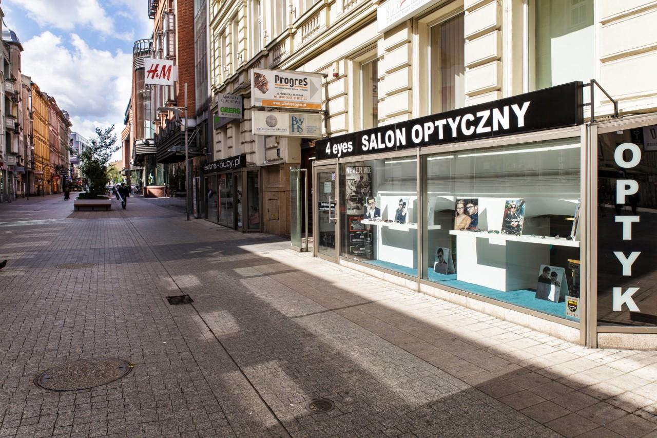 Wejście do salonu optycznego 4eyes